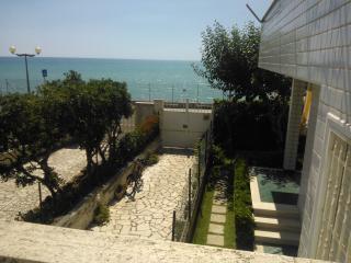 La Sirenetta - Una finestra sul mare - Anzio vacation rentals