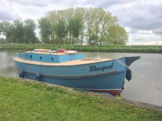Perfect 3 bedroom Boathouse in Alkmaar - Alkmaar vacation rentals