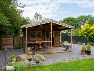 Relaxing Cosy Glamping  cabin near Cheddar Gorge - Axbridge vacation rentals