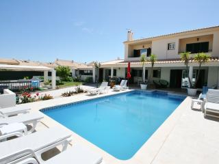 Lovely Villa with Internet Access and A/C - Albufeira vacation rentals