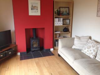 Bright Bungalow with Kettle and Freezer - Newcastle vacation rentals