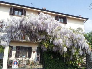 Bed and Breakfast 'Il Glicine' - Nichelino vacation rentals
