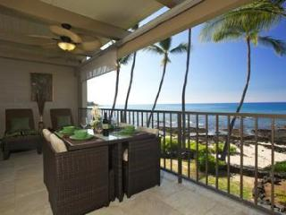 Second Floor Condo with Lots of Updating and A/C!! - Kailua-Kona vacation rentals