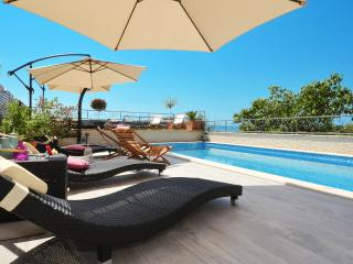 TROGIR, OKRUG GORNJI, apt. Exclusive - Okrug Gornji vacation rentals