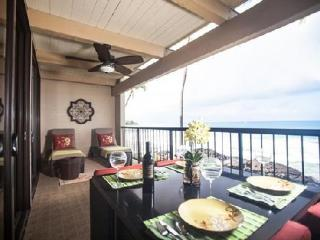 Oceanfront 2 Bedroom Condo with Fabulous View! - Kailua-Kona vacation rentals