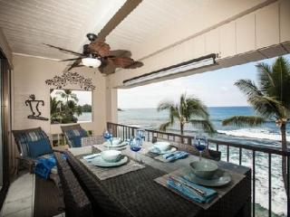 Oceanfront 3 Bedroom Top Floor Condo - Kailua-Kona vacation rentals