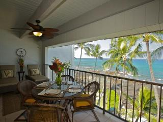 4th Floor Oceanfront Condo with Awesome View! - Kailua-Kona vacation rentals