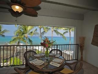 4th Floor Oceanfront Condo #422 with Awesome View! - Kailua-Kona vacation rentals
