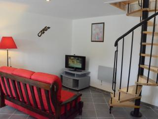 Bright 2 bedroom Manche House with Toaster - Manche vacation rentals