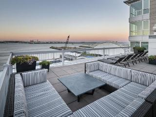 Lux 2BR Apt Near Seaport - Boston vacation rentals