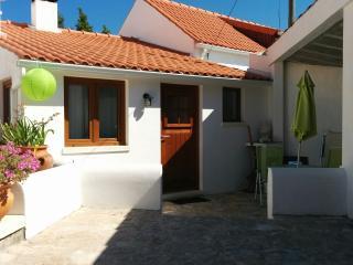 Casinha, een gezellig 2-persoonshuisje - Alfeizerao vacation rentals