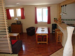 Nice Studio with Internet Access and Television - Boulogne-sur-Mer vacation rentals