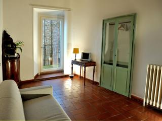 Magnificent Apartment in the Main Square of Assisi - Assisi vacation rentals