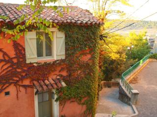 Authentic Detached Village House in Provence - Rians vacation rentals