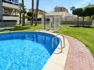 Bright and modern house in central Torrevieja with large, shared pool, 5min from La Mata beach - La Mata vacation rentals