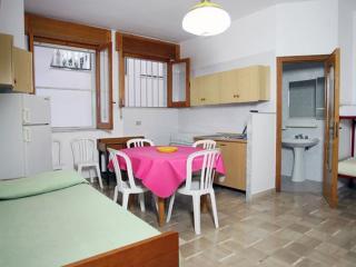 casa in residence varie misure - Mattinata vacation rentals