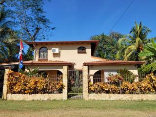 Beautifull small apartment close to the beach - Esterillos Oeste vacation rentals