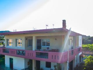 Beautiful Condo with Internet Access and A/C - Gerani vacation rentals