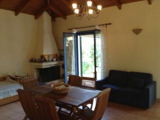 Romantic 1 bedroom Villa in Epidavros with Long Term Rentals Allowed - Epidavros vacation rentals