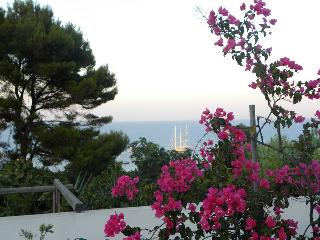 Beautiful 1 bedroom Apartment in Aeolian Islands with Outdoor Dining Area - Aeolian Islands vacation rentals