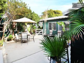 (ST1) Big 2.5br/2ba by beach w/ patio! - Mission Beach vacation rentals