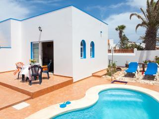 Bright 2 bedroom Corralejo Villa with Internet Access - Corralejo vacation rentals