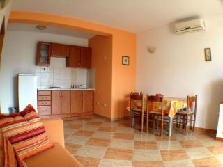 Apartment near center in Novalja - Novalja vacation rentals