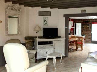 2 bedroom Gite with Internet Access in Bully-les-Mines - Bully-les-Mines vacation rentals