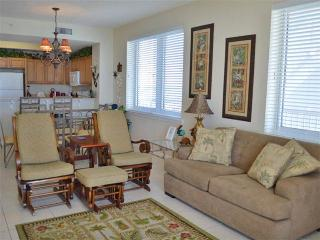 Comfortable Condo with Internet Access and Waterfront - Navarre vacation rentals