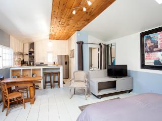 Charming, Secluded Bungalow with Garden - West Hollywood vacation rentals