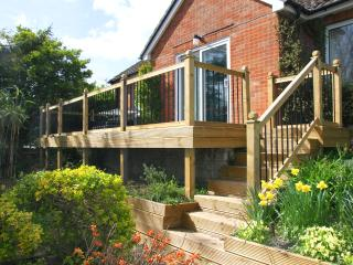 Perfect Bungalow with Deck and Internet Access - West Lulworth vacation rentals