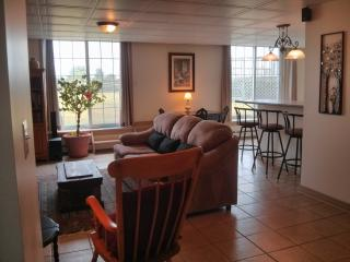 Bright Studio with Internet Access and Satellite Or Cable TV - Cherry Valley vacation rentals