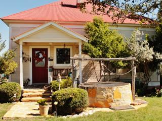 Long Creek Farm Bed&Breakfast - Sue's Suite - New Braunfels vacation rentals