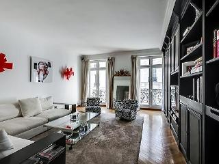 Fantastic Luxury Apartment at Champs Elysees Boeti - Paris vacation rentals