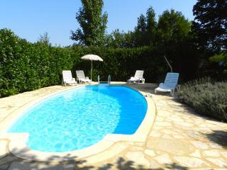 Charmante maison avec piscine - Saint-Avit-Sénieur - Saint-Avit-Senieur vacation rentals