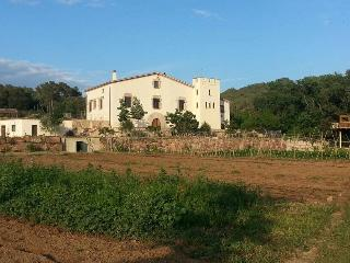 Nice Villa with Internet Access and Central Heating - Caldes de Montbui vacation rentals