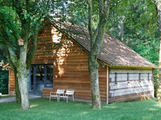 """B&B Un matin dans les bois """"Suite PETERSEN"""" - Loison-sur-Crequoise vacation rentals"""
