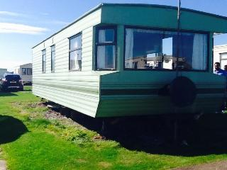 Cozy Ardrossan Caravan/mobile home rental with Internet Access - Ardrossan vacation rentals