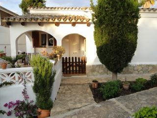 2 bedroom Chalet with Internet Access in Cala Romantica - Cala Romantica vacation rentals