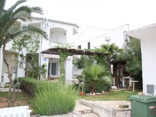 Nice 1 bedroom Apartment in Novalja - Novalja vacation rentals