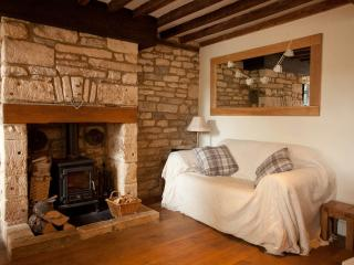 2 bedroom Cottage with Internet Access in Northleach - Northleach vacation rentals