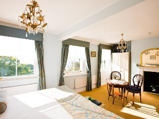 Pier View self-catering luxury apartments - Southend-on-Sea vacation rentals