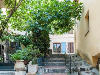 Lovely apartement By Medieval Castle - Cagnes-sur-Mer vacation rentals