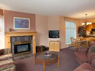 Woodrun Lodge 317 |  2 Bedroom Ski-in/Ski-Out Unit, Fireplace, Shared Hot Tub - Whistler vacation rentals