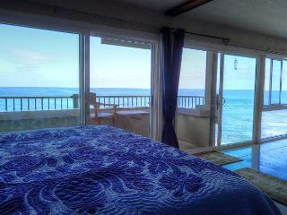 Banyan Tree 404:Top Floor DIRECT oceanfront condo - Kailua-Kona vacation rentals