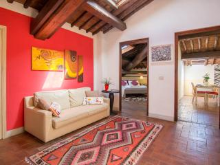 Lucca: romantic attic in a very tuscany style - Lucca vacation rentals