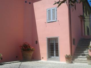 "Apartment ""Leonardo""in cortona's country (2bd) - Cortona vacation rentals"