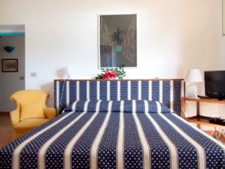 Comfortable 4 bedroom Cala Liberotto Bed and Breakfast with Internet Access - Cala Liberotto vacation rentals
