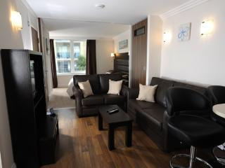 22b Studland Dene located in Bournemouth, Dorset - Bournemouth vacation rentals