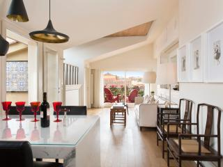 Luxurious, spacious and quiet at Ponte Vecchio - Florence vacation rentals